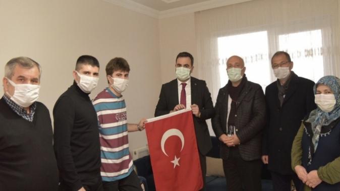 BAŞKAN ÖZLÜ'DEN BAŞİSKELELİ GAZİ SEMİH KARABAY'A ZİYARET