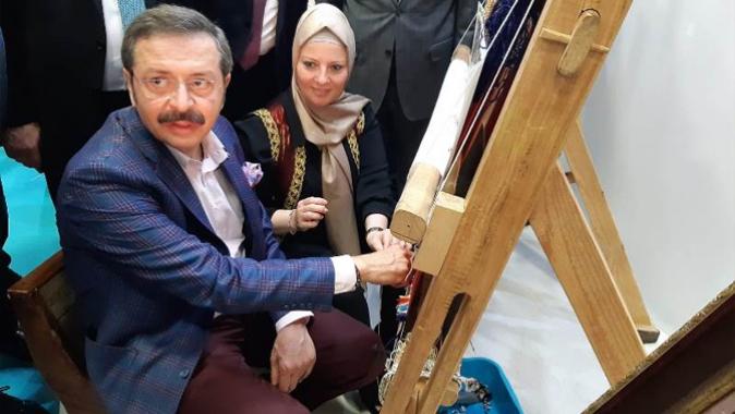 Rifat Hisarcıklıoğlu, Hereke halısını dokudu