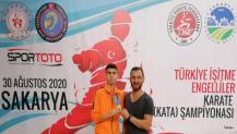 Kartepeli Karateci Murat İşitme Engellilerde Şampiyon