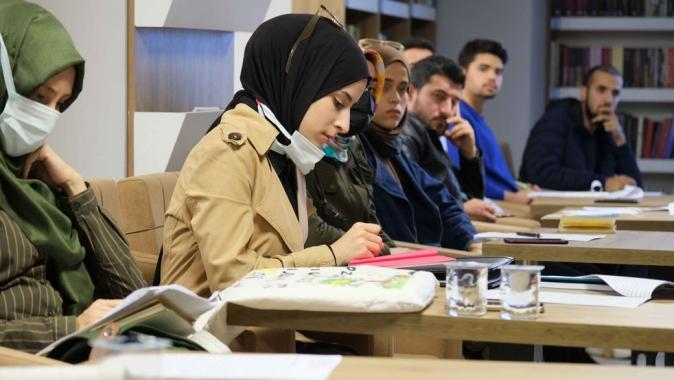 Büyükşehir'in Akademi Üniversitesi ders başı yaptı